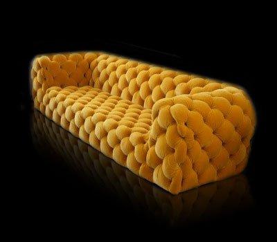 Sofa w ilości 1 szt dostępna na stanie magazynowym, od ręki. Sofa w innym rozmiarze, wykończeniu, materiale lub kolorze dostępna na zamówienie.